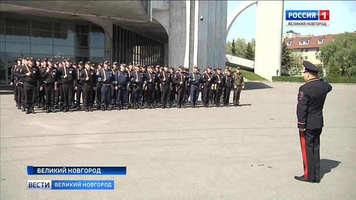 Сводный отряд новгородской полиции отправился в служебную командировку на Северный Кавказ
